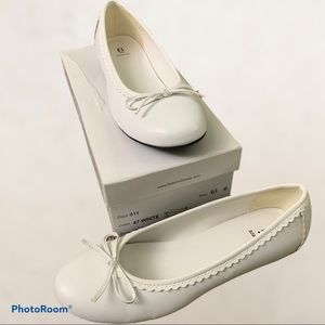 Bakers White Ballet flats size 6.5 US